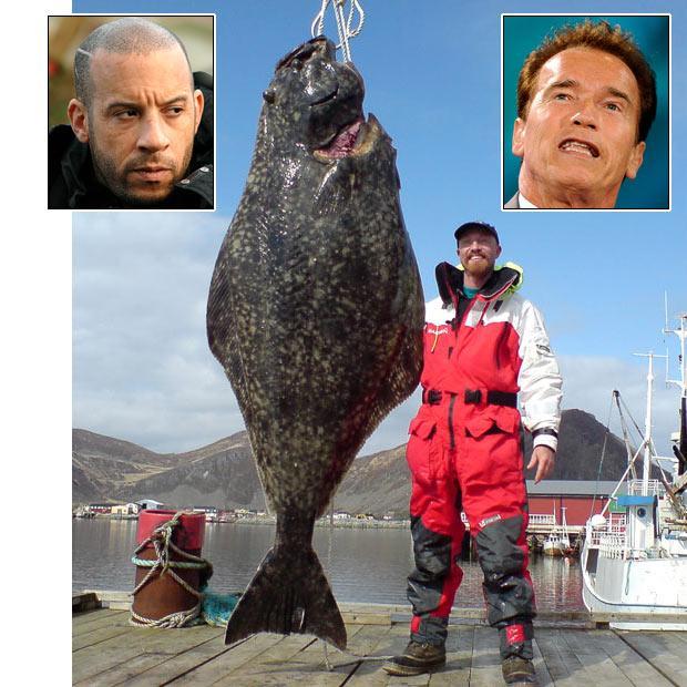 Soren Beck stāv pie milzu zivs... Autors: bizonis1 Lielas zivis = Slavenības