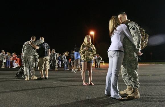 ASV karavīri atgriezās no... Autors: vitux Skūpstu kolekcija