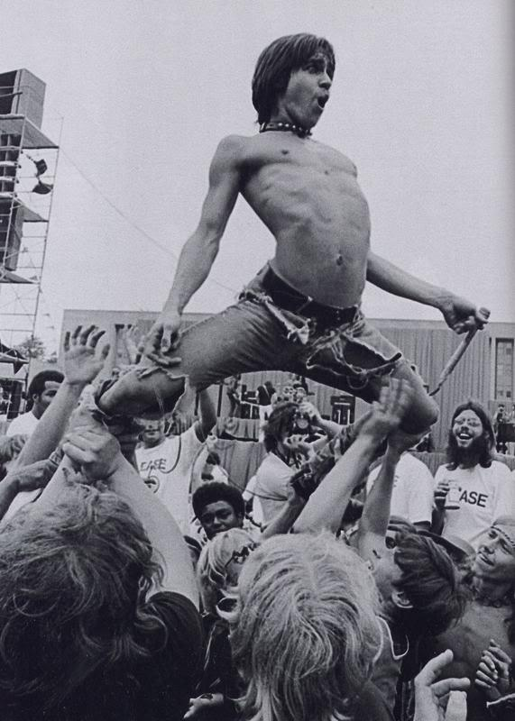 Iggy Pop 1970 Autors: dzeimsons Slavenību Gigapaka