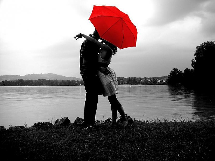 Lai gan līst es nesamirkstu ... Autors: Nefermerita What is love...