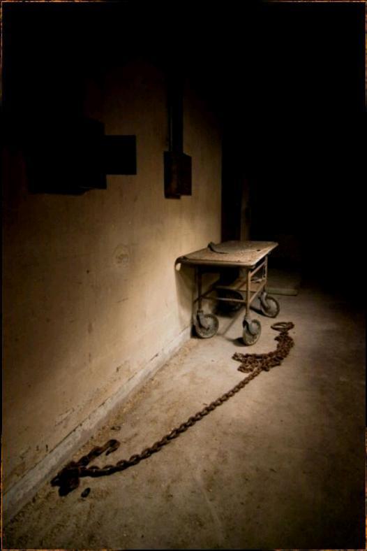 Autors: LittleWolf Pamestā Northamas psihiatriskā slimnīca