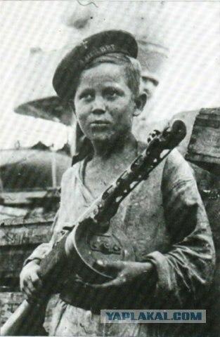 Jūrnieks Autors: LAGERZ Bērni 2 pasaules kara laikā
