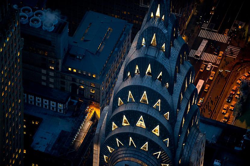 Close up looking down onto... Autors: Samaara NYC and Las Vegas from above, at night.