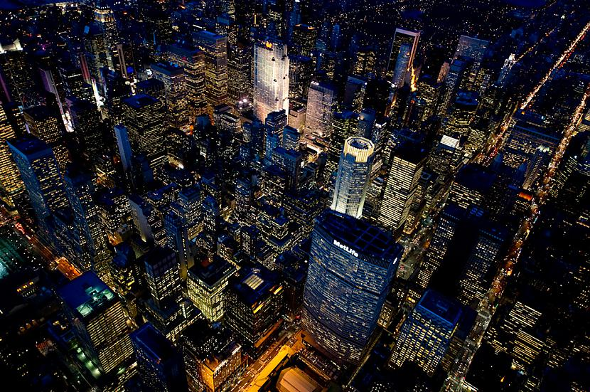 The area around The MetLife... Autors: Samaara NYC and Las Vegas from above, at night.
