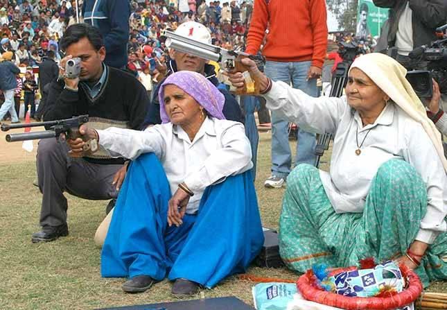 Sieviešu šaušanas sacensības... Autors: pusniks Mini Olimpiskās spēles Indijā