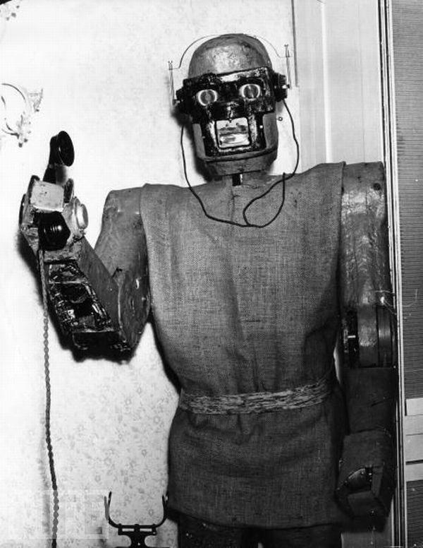 PhoneAnswering Robot... Autors: augsina Dullie izgudrojumi