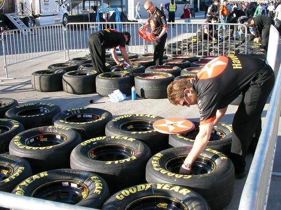 Riepas Autors: Persona NASCAR automašīnu uzbūve
