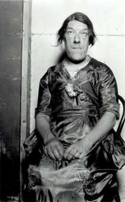 Mary Ann Bevanneglītākā... Autors: augsina Pasaules dīvainākie cilvēki.
