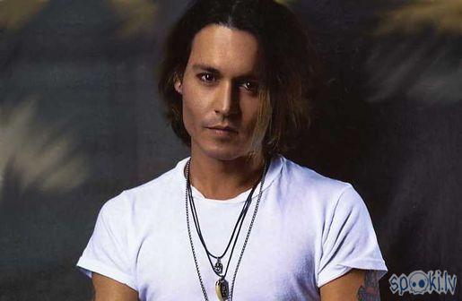 Autors: Cute Džonijs Deps (Johnny Depp)