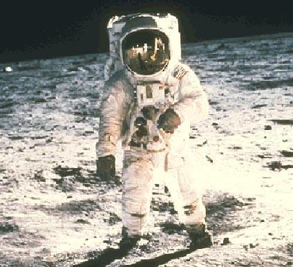 """Nīls Ārmstrongs 1 cilvēks uz... Autors: rudix Nedaudz par """"NASA"""""""