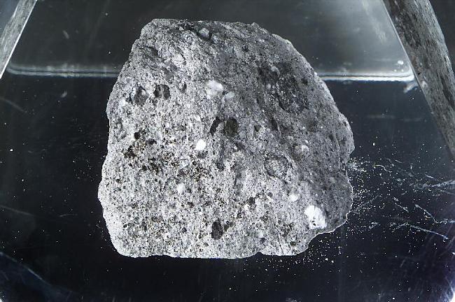 382 kilogrami Mēness iežu ir... Autors: Kefirs Vai zini, ka...Daļa Nr.2