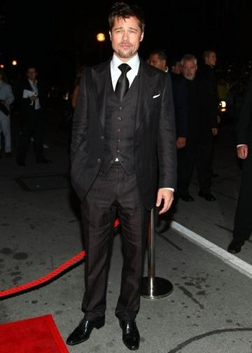 Brad Pitt Autors: Horneta Real man wear suits