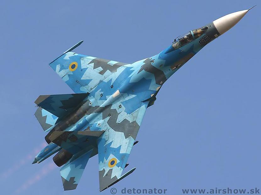 Su 27 Autors: BARBARS SU-27 un viņa čomi