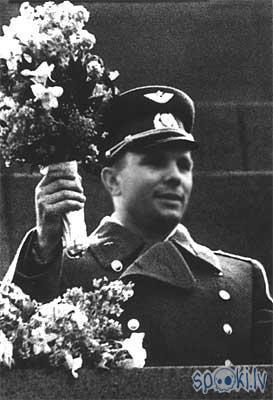 Autors: whateverusay Gagarins.Aļeksejevičs.Jurijs.. the 1st man in the space :)