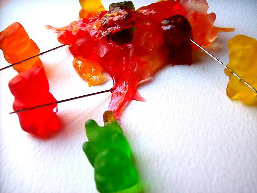 Es jau sāku domāt kā vina mani... Autors: korejiete2 Gummy Bear life