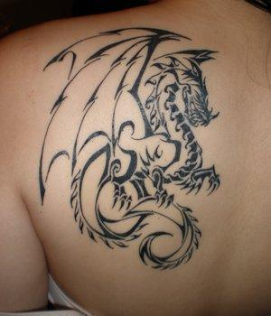 Pretēji tam  rietumu tipa... Autors: Jenkijs Pūķu tetovējumi un to nozīme