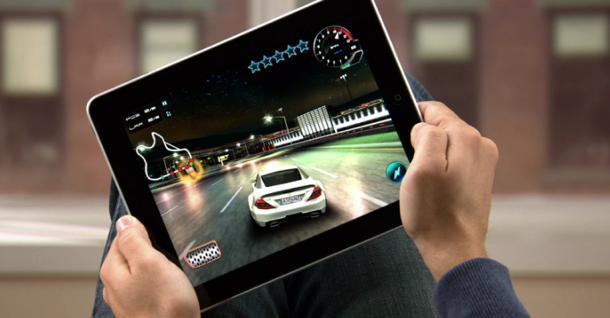 iPadā ļoti ērti var spēlēt... Autors: KOREJIETE Apple iPad