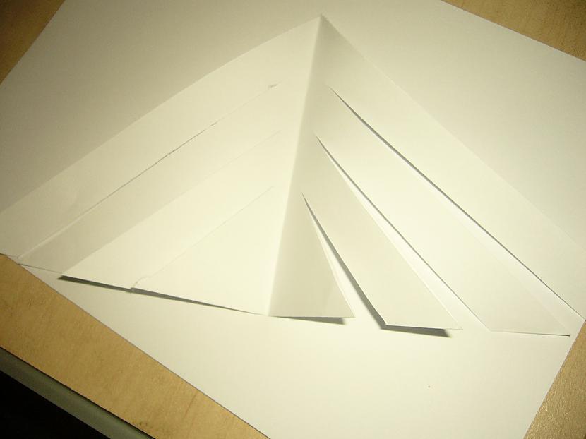Trijstūrī ar papīra naža un... Autors: Yehet Papīra sniegpārsliņas :)