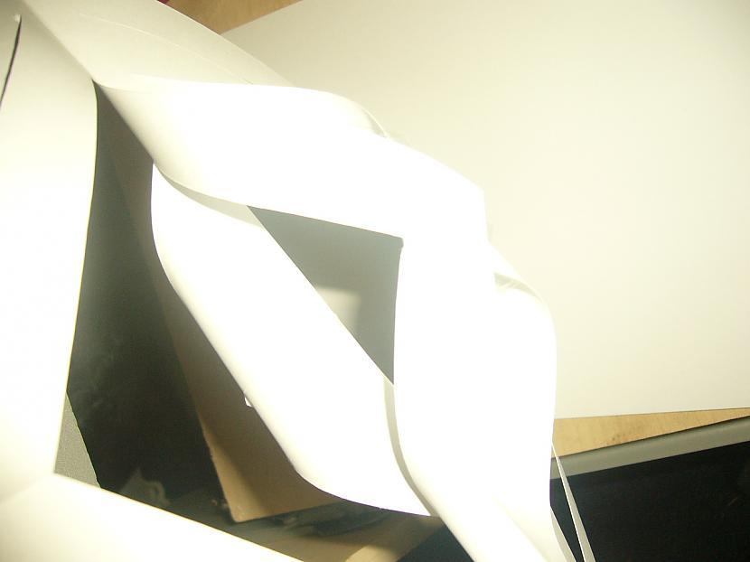 Apgriežam kvadrātu otrādi un... Autors: Yehet Papīra sniegpārsliņas :)