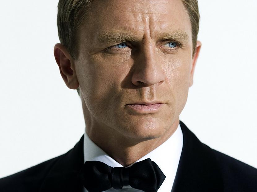 2 James Bond kopējie ieņēmumi... Autors: Scat 10 Finansiāli veiksmīgākās filmu sērijas