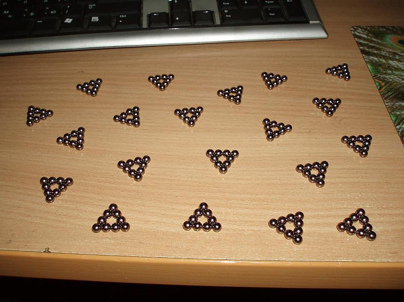 Apļus saspiež par trīsstūriem Autors: shadow118 Neokubs