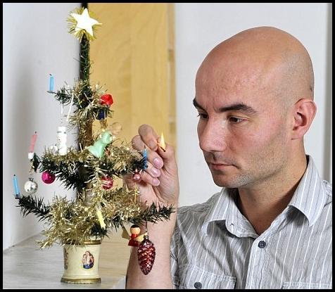 Eglīte varbūt neizskatās kā... Autors: Huligāns Pasaulē vecākā Ziemassvētku eglīte