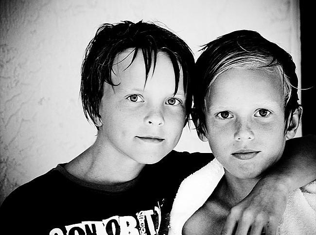 Dvīņi ne vienmēr dzimuši vienā... Autors: ElWeeD Interesanti fakti par dvīņiem