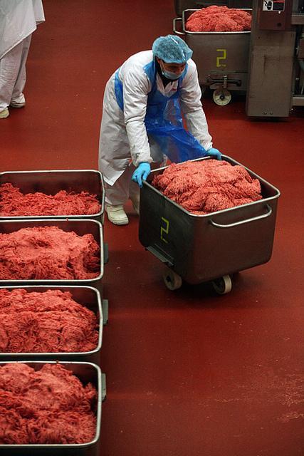 Autors: Nāriņš Kā taisa gaļu burgeriem, kuri nonāk McDonaldā