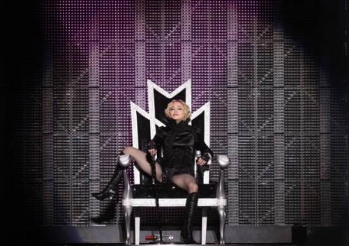 2000 gadā Madonna iekļuva... Autors: nauruha Pasaules slavenākās blondīnes