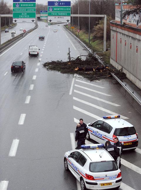 Autors: theorb Francijā plosās spēcīgi vēji