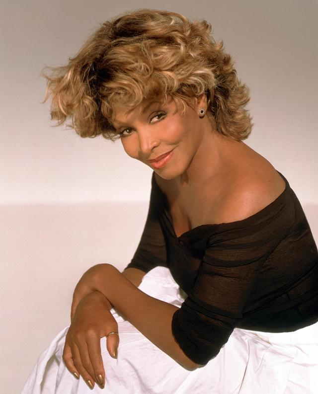 Skatuves vārds  Tina Turner... Autors: Laachaks Dažu slavenību īstie vārdi.