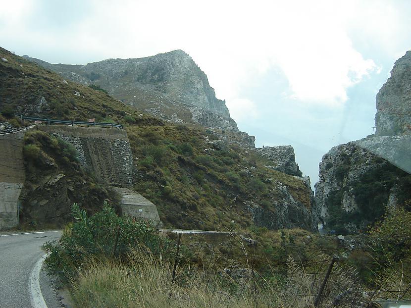 No vienas kalnu pārejas uz... Autors: aikara Pārsteidzošie ceļi 2