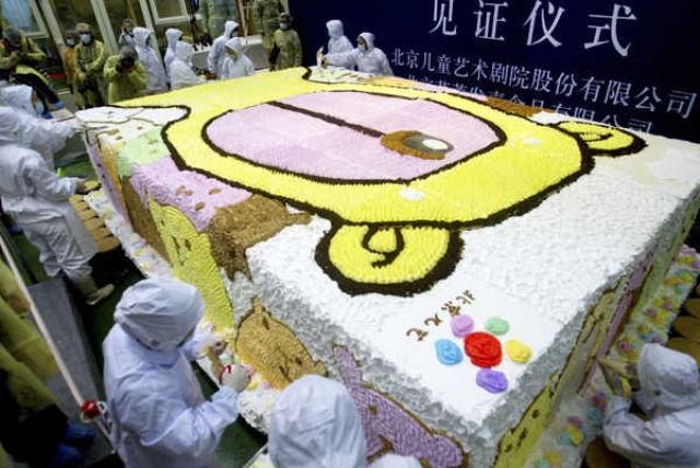 Torte iznāca 48m gara 3m plata... Autors: lapsiņa112 Pasaules Milzeņi..