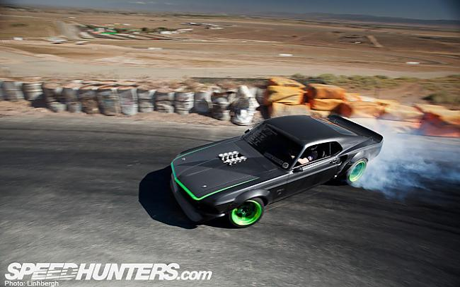 Autors: rnzdesign rtr x mustangs pabeigts un notestets