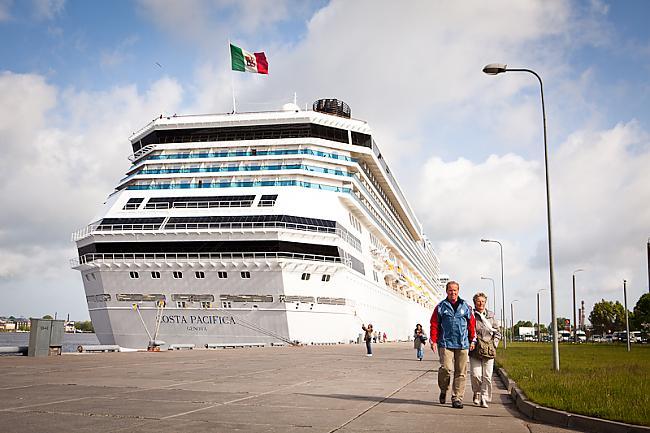 Autors: mrproxy Rīgas ostā piestāj lielākais kruīza kuģis Costa Pacifi