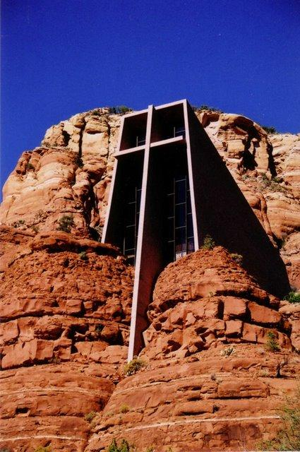 Baznīca klintīs  Atrodas... Autors: battery Interesantākās ēkas pasaulē.