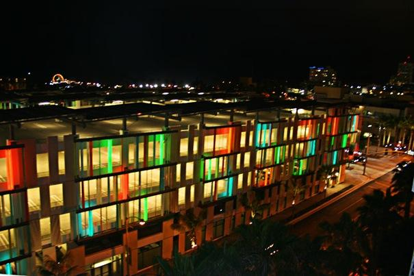 Pilsoņu centrs  Atrodas San... Autors: battery Interesantākās ēkas pasaulē.