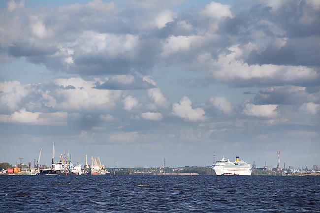 Autors: mrproxy Kruīza kuģis Costa Pacifica pamet Rīgu