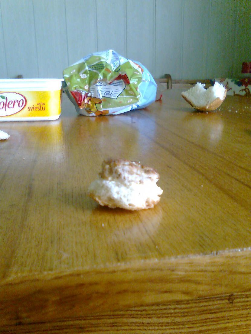 Uzsmērējam uz maizītes bolero Autors: MrSalaMi Mans mini burgers :)