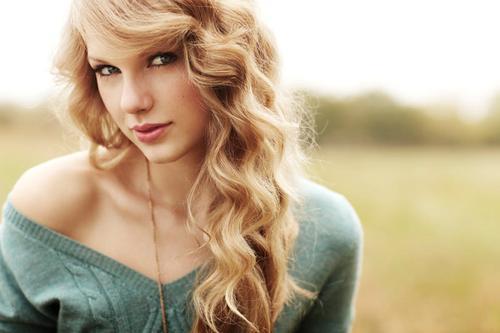 Taylor Swift bērnībā strādāja... Autors: vienssantīms Pa karjeras kāpnēm