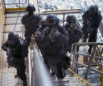 Interpolam ir arī apmācība... Autors: EverybodyLies Interpols!