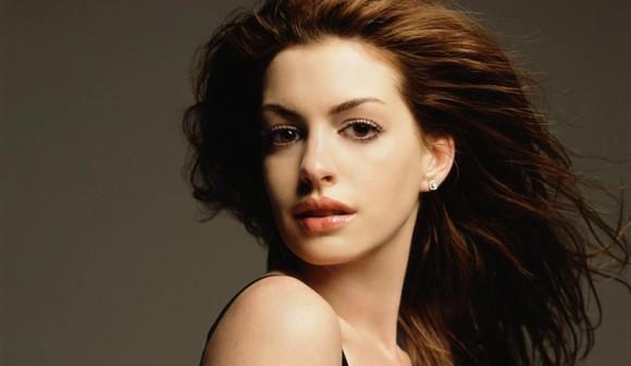 Anne Hathaway 9 vieta Autors: hellokitty5 Top Beautiful woman(2011)