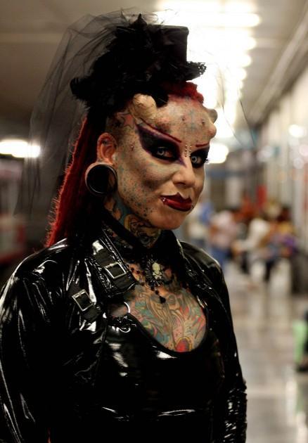 Sieviete sevis... Autors: Noth1ng Vampīrsieviete!:o