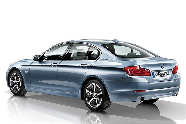 ActiveHybrid 5 uzstādīts no... Autors: HHRonis BMW prezentē 5.sērijas ActiveHybrid 5.