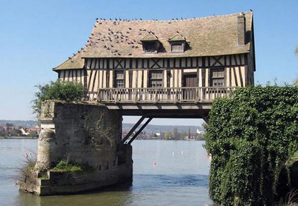Kautkur uz tilta  Negribētu Autors: Kuukijs Gribētu dzīvot?