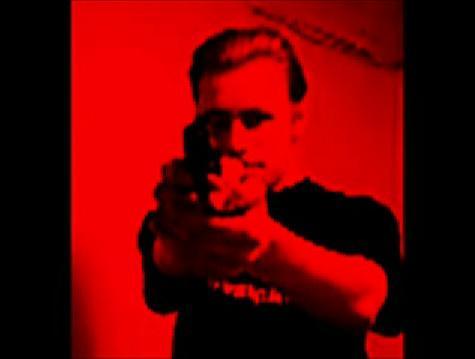 Peka Ēriks Auvinens ieroča... Autors: Testu vecis ''Varoņi'' Peka Ēriks Auvinens