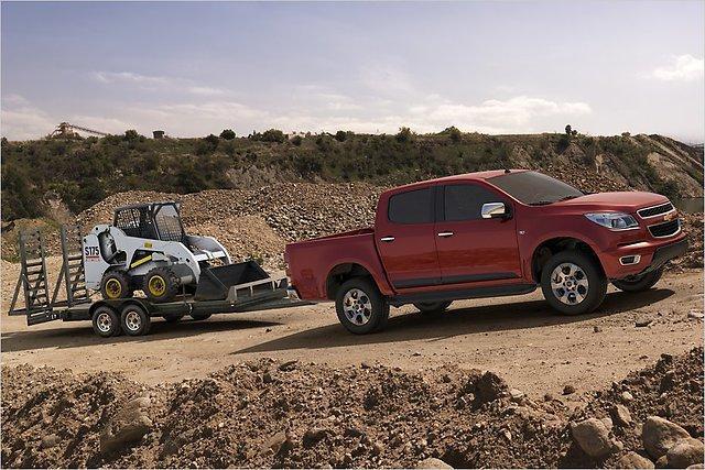 Jau sērijveidā automašīna... Autors: HHRonis Chevrolet prezentē jauno pikapu Colorado.