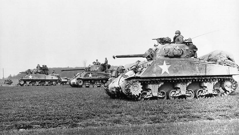 Amerikāņu Sherman tanks ko... Autors: Bucitis1 2.P.K vācu un krievu tanku salīdzinājums (1.daļa)