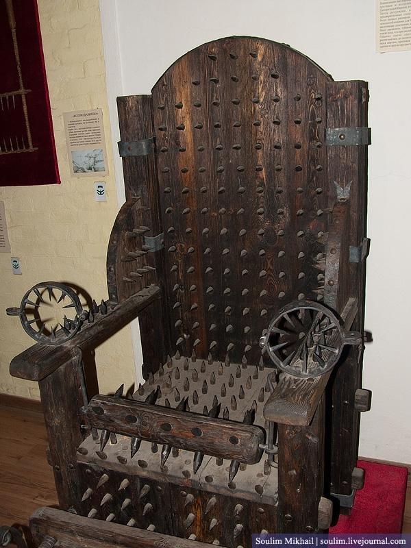 Krēslā kad iesēdinā Ieslodīto... Autors: Dark Mist Spīdzināšanas ierīču Muzejs Krievijā.