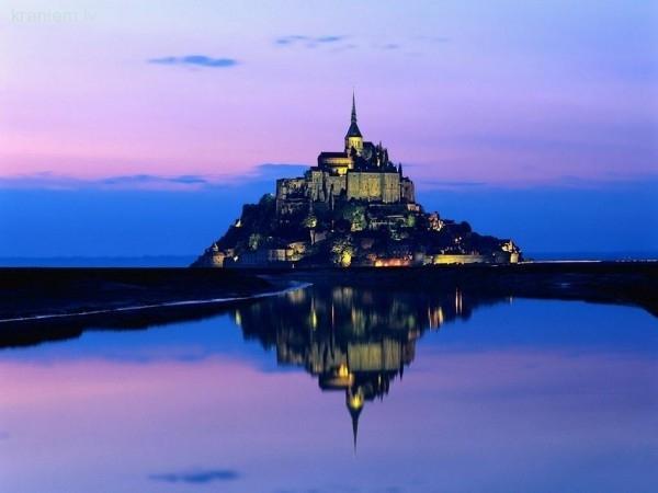 6  Mont SaintMichel Normandija... Autors: Fosilija Top 10 pilis Eiropā
